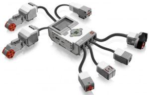 модуль EV3 с датчиками и моторами