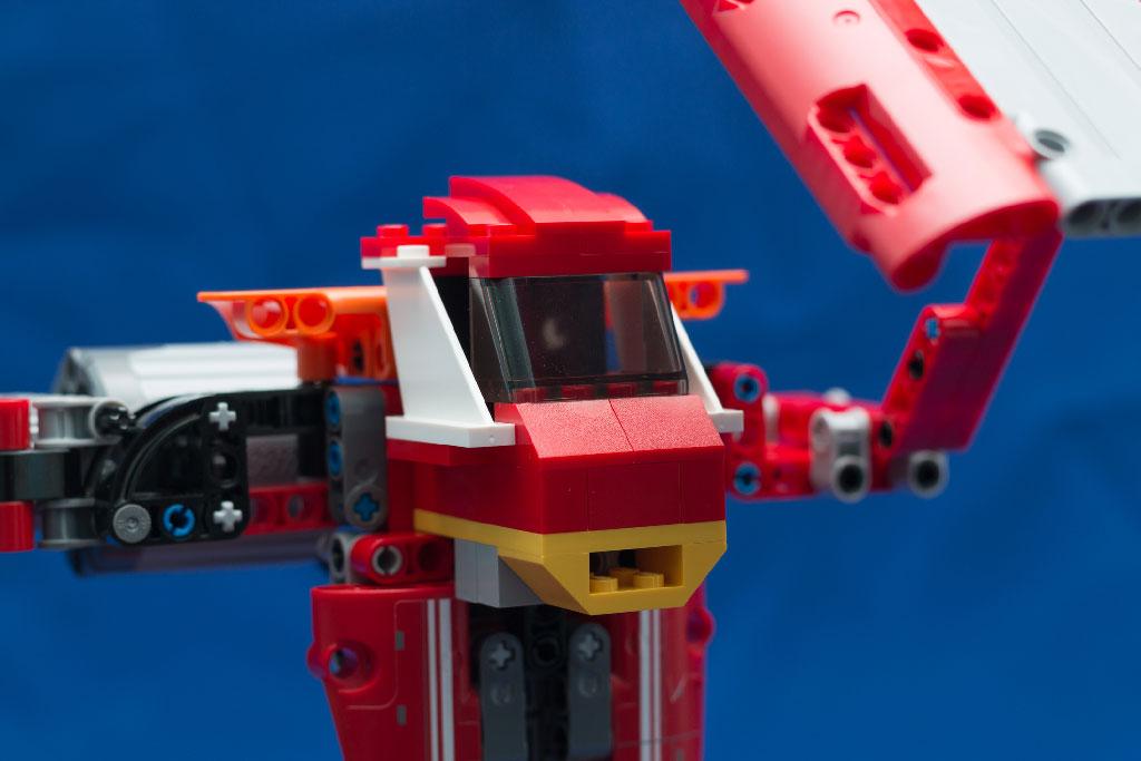 Кабина красного робота